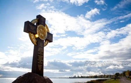 Крест в Ростове Великом