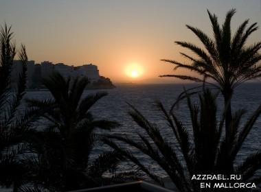 Вид из номера в отеле Sol Atillas Barbados на пляж Магалуфа